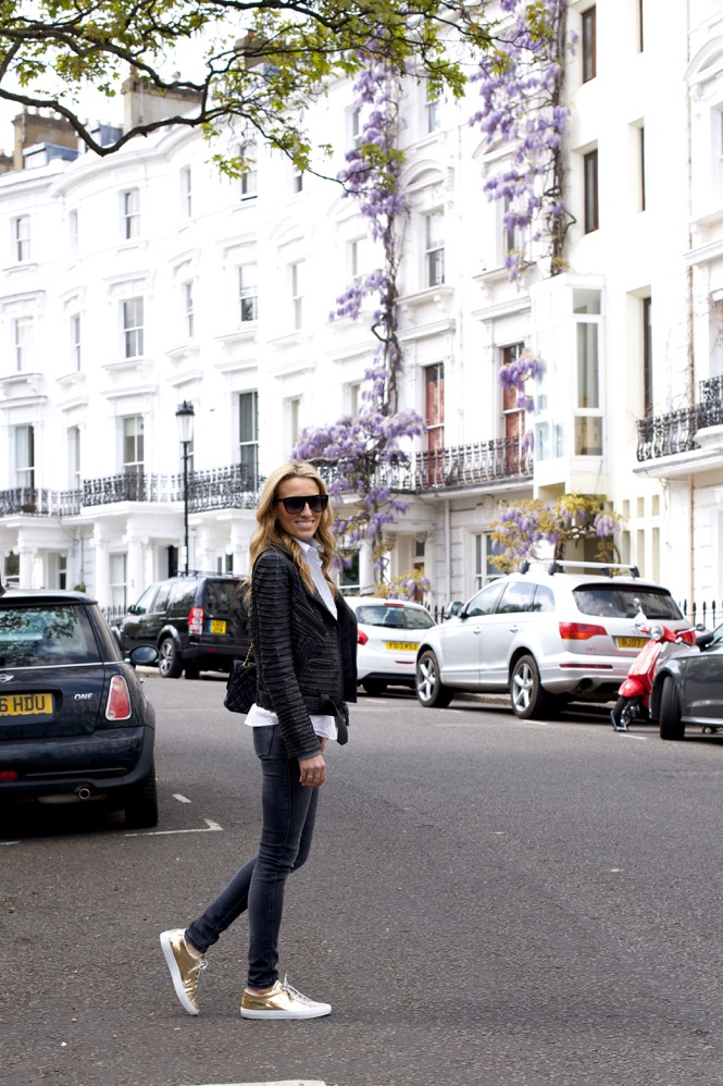 Notting Hill, London, Travel, Chanel, Zara jeans, UK, Street Style