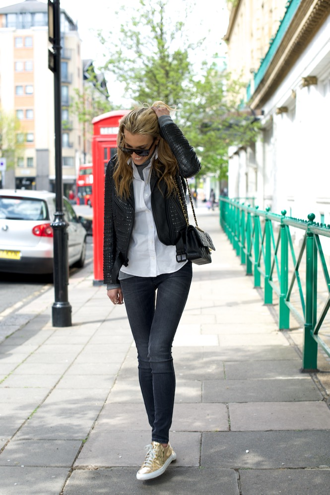 Notting Hill, London, Travel, Chanel, Zara jeans 2