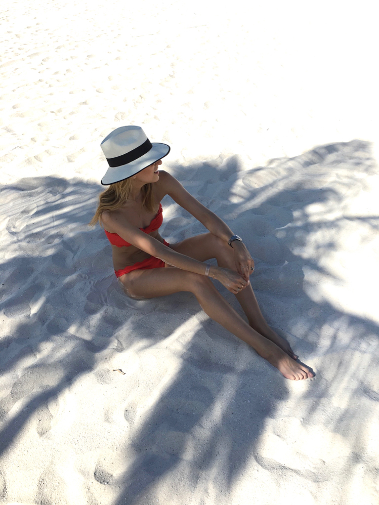 Red Bikini, Scallop Marysia Bikini, Resort, Ocean, Beach Vacation, Panama Hat