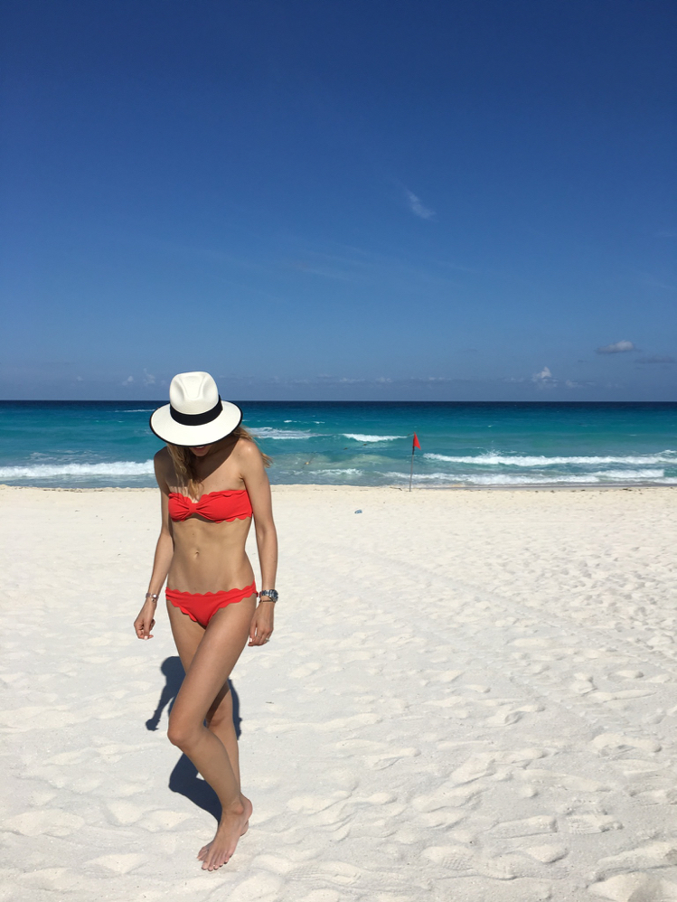 Red bikini, Bikini Body, What to pack to a beach vacation, Mexico, Travel, Blogger, Fitness