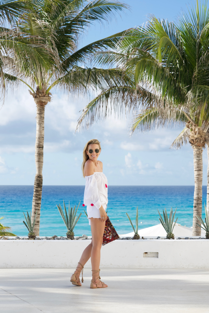 Pom-Poms & 5 Must-Have Looks To Pack For a Beach Vacation