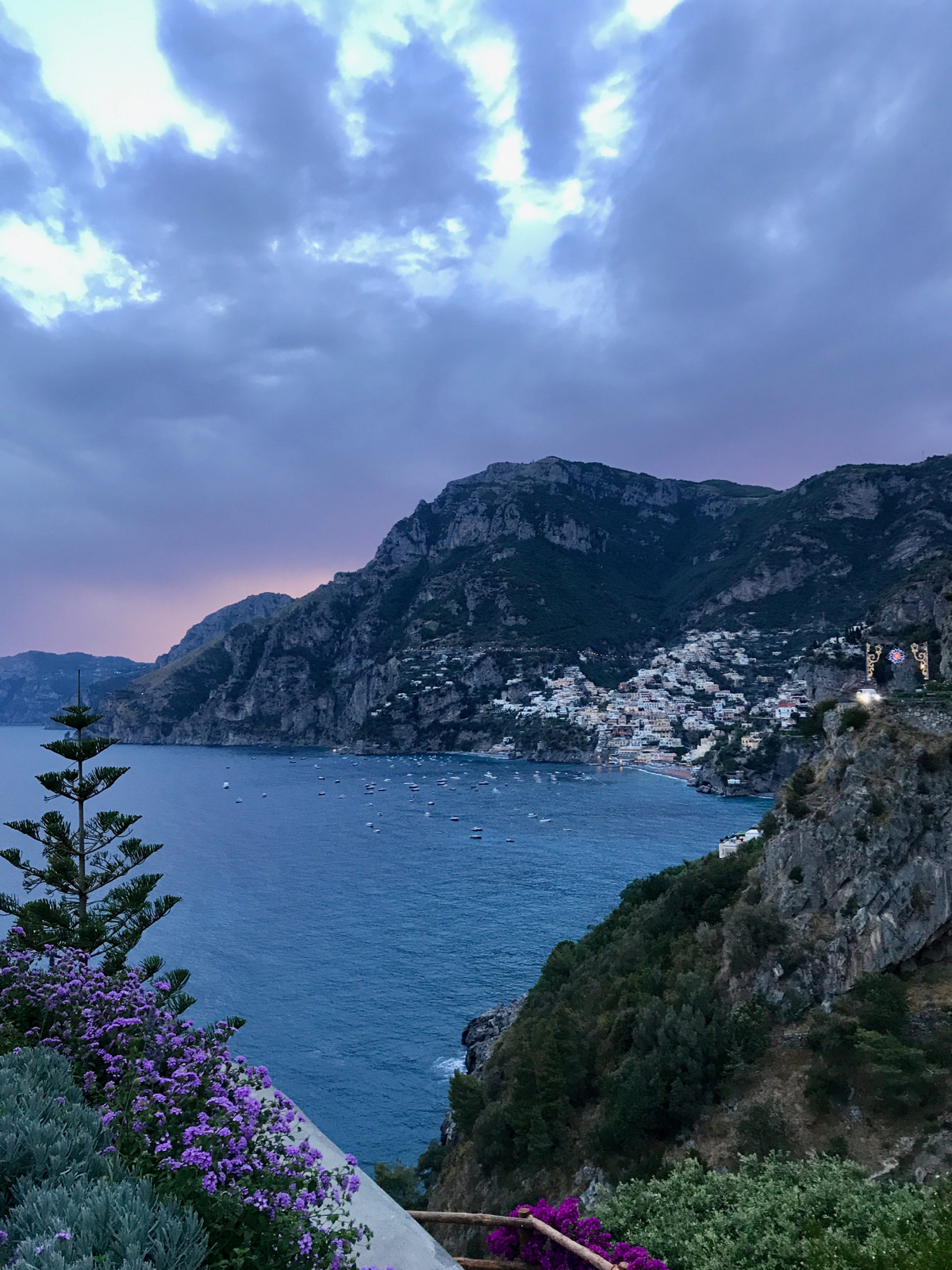 Il San Pietro at night, Travel guide in Positano
